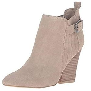 Guess Women's Nicolo Boot, Natural, 5M-NEW